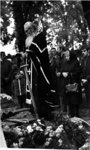 ks. Antoni na pogrzebie 1984